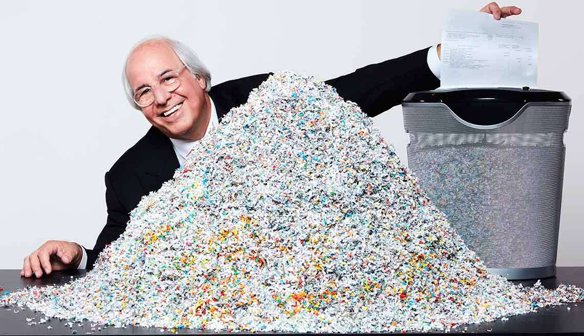 frank-abagnale-with-microcut-shredder-from-aarpla.jpg