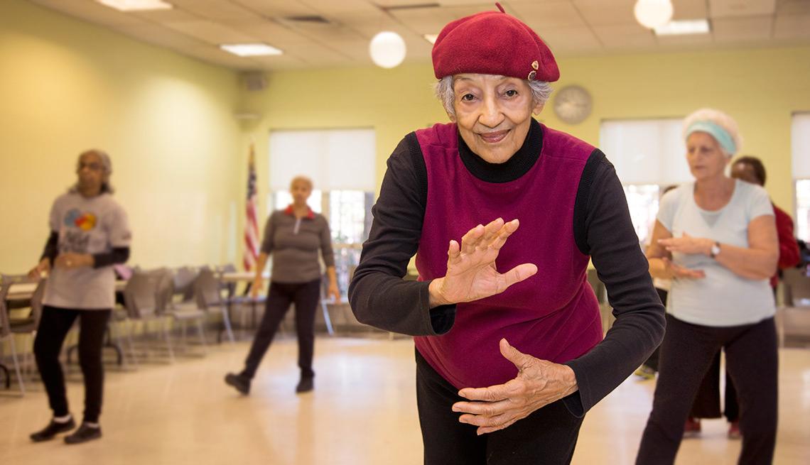 Un minuto de ejercicio al día puede salvarte de una fractura